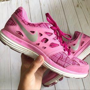 Womens Nikes 10
